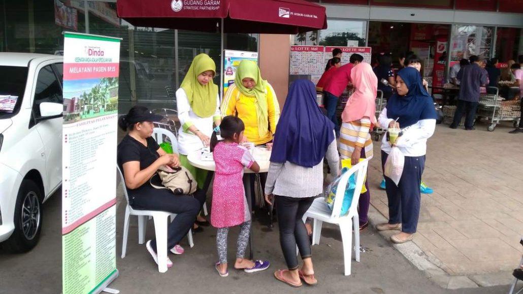 Pelayanan kesehatan gratis di Lottemart Jatake Tangerang