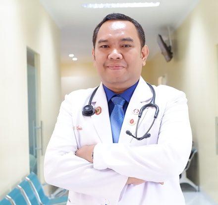 dr. Edison Y.P Saragih, Sp.PD