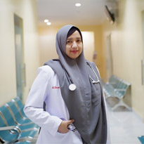 dr. Yasemine, Sp.A